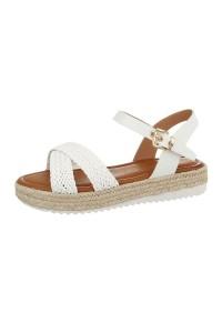 Biele sandále s pletenými...