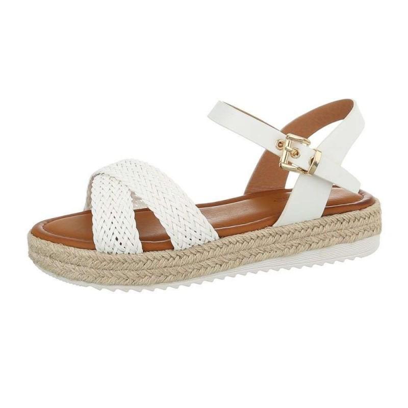 130de0f587ca Biele dámske sandále značky Mulanka s pletenými remienkami. Pohodlná rovná  podrážka s tvarovanou stielkou.