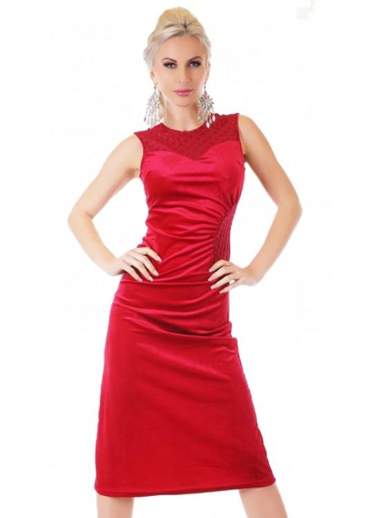 Červené zamatové šaty
