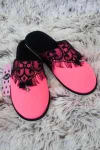 Neónovo ružové papuče